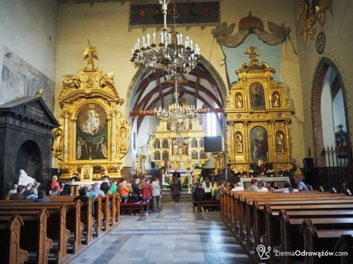 Nawa główna kościoła w Szydłowcu