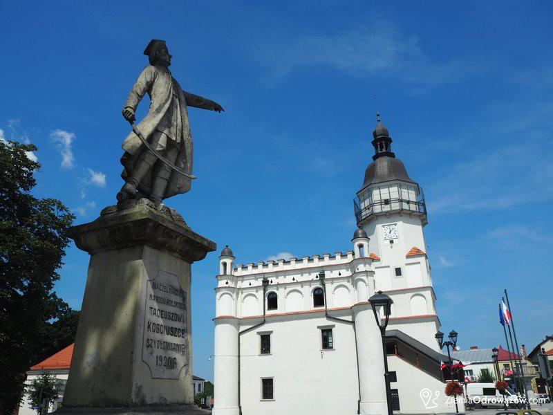 Pomnik Kościuszki na rynku w Szydłowcu